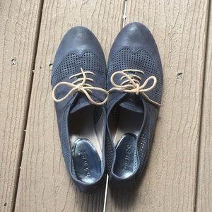 Hinge Shoes